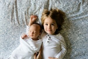 2 Kleinkinder Durchhalten angesagt - Alltag mit zwei Kindern mit geringem Altersunterschied - Erfahrung mit Wickelkindern im Doppelpack