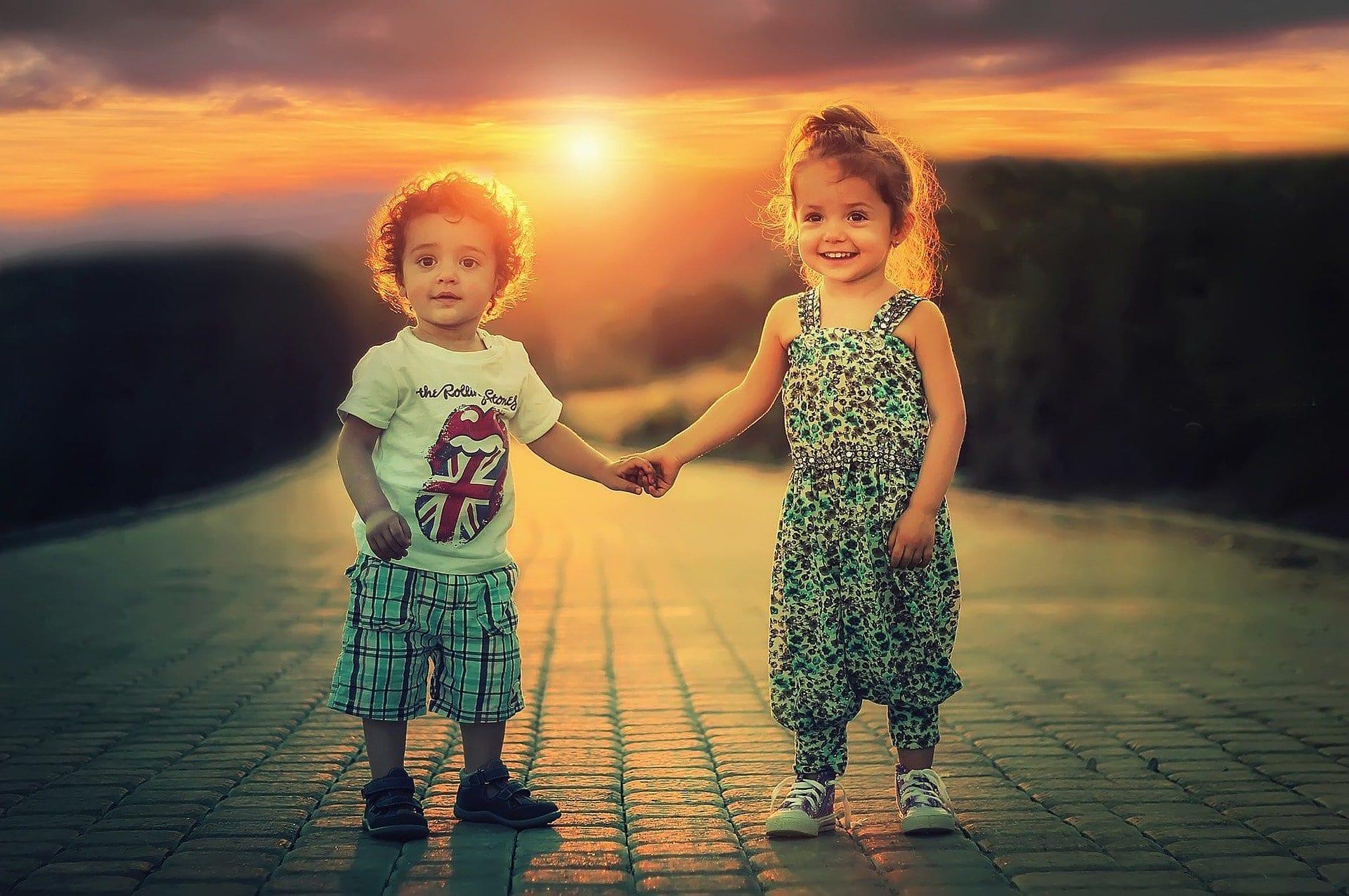 Geschwisterstreit vorbeugen - Beziehung unter Geschwistern stärken 24